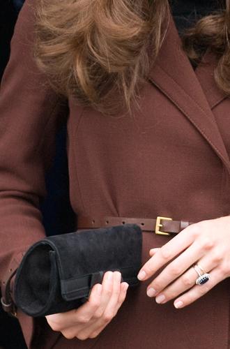 Фото №13 - Королевский дресс-код: любимые сумки герцогини Кембриджской