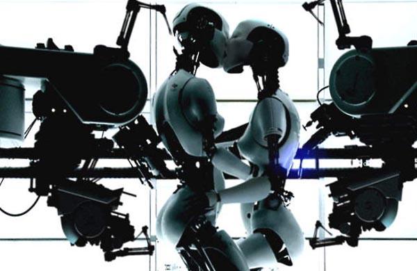 Фото №5 - Привлекательные роботы окажут любые услуги