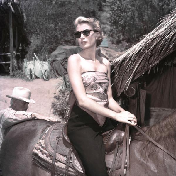 Фото №2 - Принцесса в Dior: Грейс Келли и ее любовь с французским модным домом