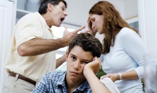 Фото №1 - Физические наказания в детстве ведут к  хроническим болезням в будущем