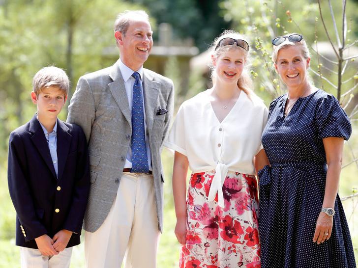 Фото №2 - Особое положение: почему Королева всегда была ближе с младшими внуками, а не со старшими