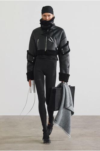 Фото №27 - Полный гид по самой модной верхней одежде на осень и зиму 2021/22