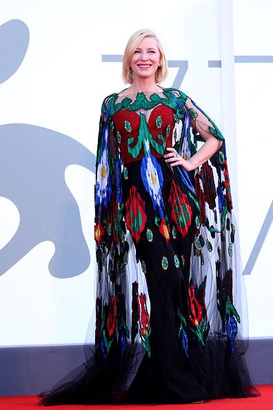 Фото №17 - Нарушая запреты: все образы Кейт Бланшетт на Венецианском кинофестивале