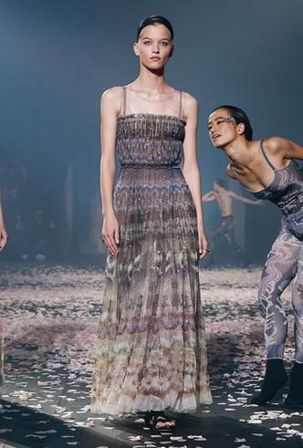 Фото №7 - Искусство танца в новой коллекции Dior SS 2019