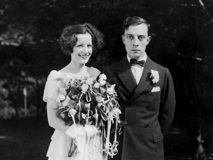 Фото №2 - Как выходили замуж легенды Голливуда: самые красивые ретро-фотографии