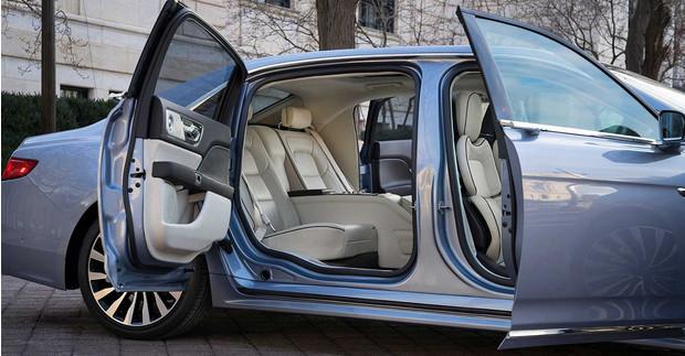 Фото №2 - Крылья чайки, крылья сокола: самые странные автомобильные двери