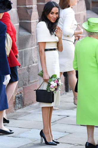 Фото №5 - Почему Меган Маркл носит слишком большие туфли