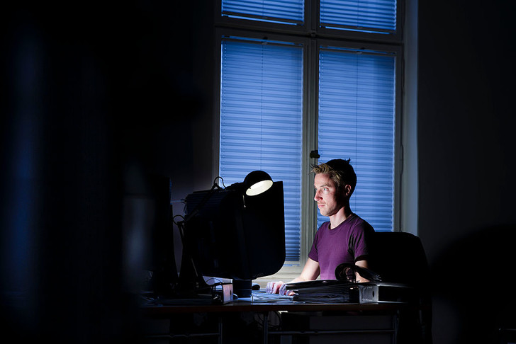 Фото №1 - Как «кибербезделье» на работе влияет на продуктивность
