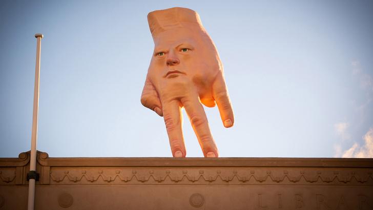 Фото №1 - Очень странная скульптура «рука-лицо» появилась на крыше в Новой Зеландии