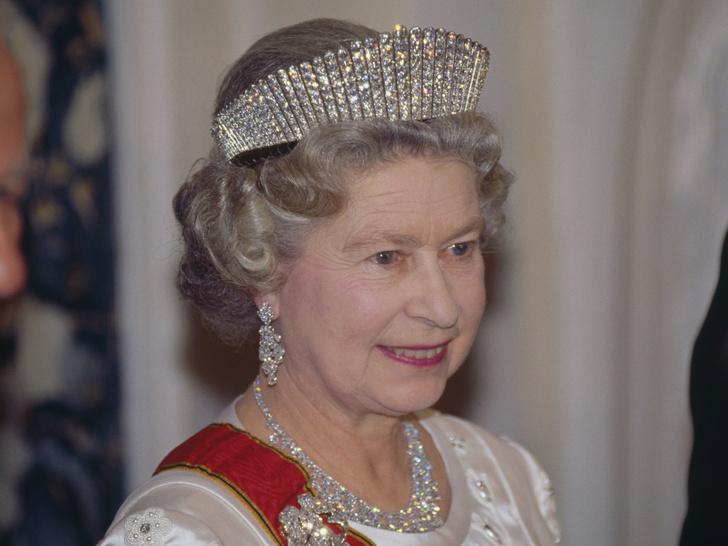Фото №4 - Из России с любовью: почему европейские монархи начали носить тиары-кокошники