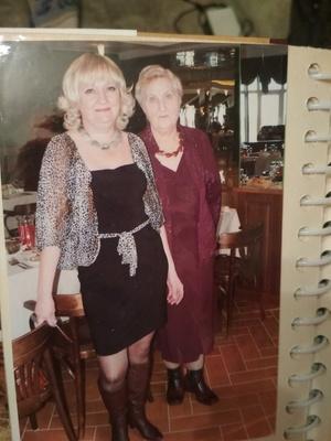 Фото №24 - Правда ли, что дочки становятся копиями своих мам: 15 фото тогда и сейчас