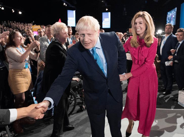 Фото №3 - Когда Кэрри Симондс официально станет Первой леди Великобритании?