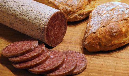 Фото №1 - Эксперт назвал ингредиент, который указывает на низкое качество колбасы