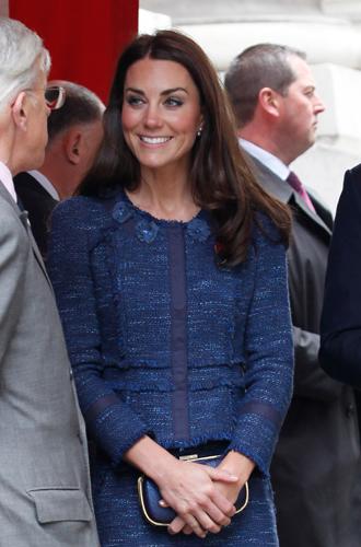 Фото №5 - Королевский дресс-код: любимые сумки герцогини Кембриджской