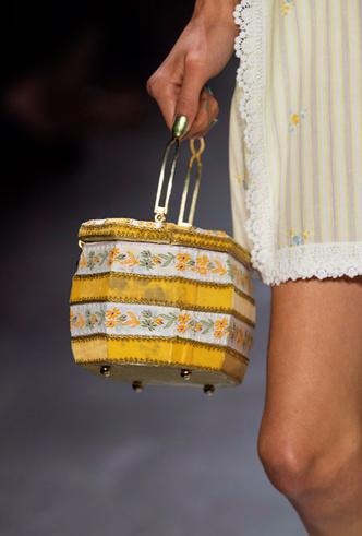 Фото №5 - Самые модные сумки весны и лета 2020