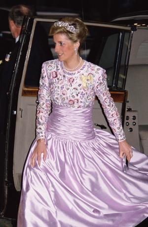 Фото №7 - Никто не идеален: самые неудачные наряды принцессы Дианы