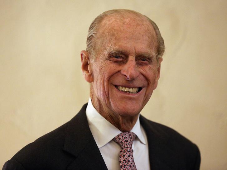 Фото №1 - В память о Его Высочестве: как Виндзоры почтили принца Филиппа в его 100-й день рождения