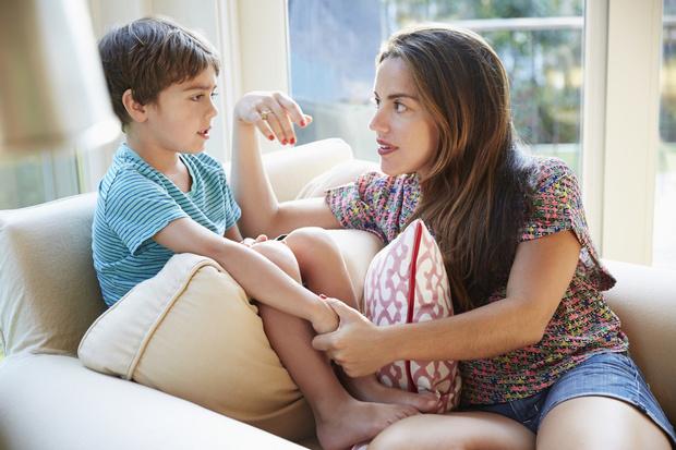 Фото №2 - Как объяснить ребенку, почему нельзя гулять, к друзьям и к бабушке