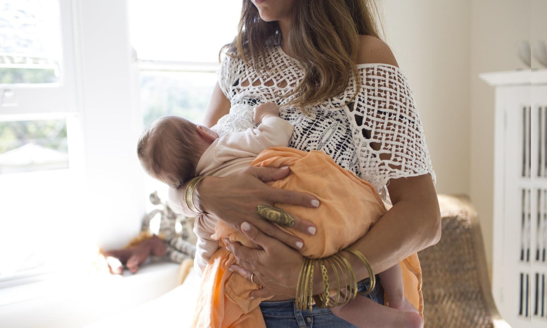 Как правильно отлучать ребенка от груди: типичные ошибки мам