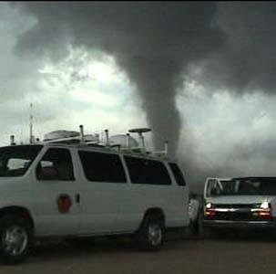 Фото №1 - Торнадо убил четырех американцев