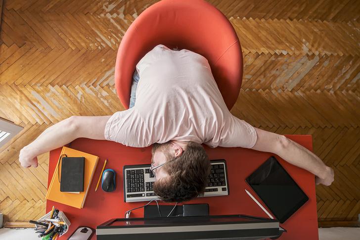 Фото №1 - Ученые назвали 5 причин, по которым спать днем полезно