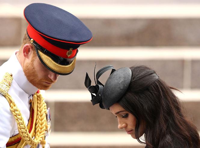 Фото №8 - На радость бабушке: почему уход Гарри и Меган выгоден британской монархии
