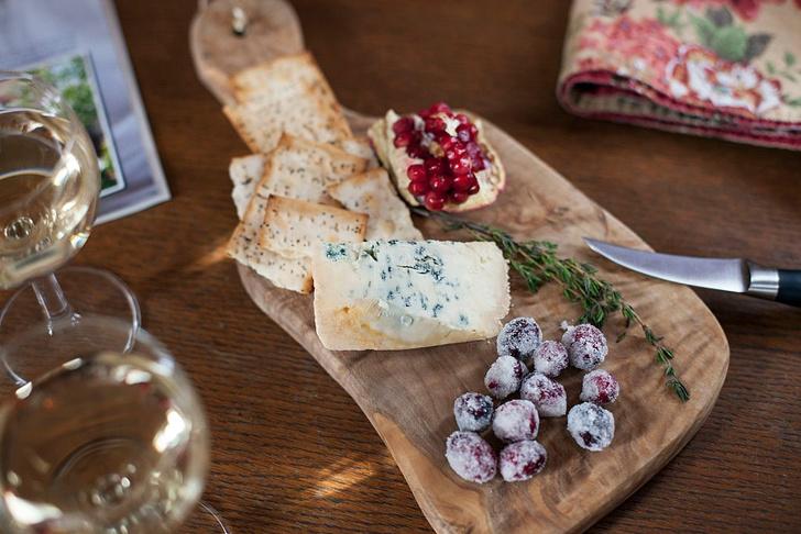Фото №4 - Гид по сырной тарелке: подбираем сорта сыра, хлеб и вино
