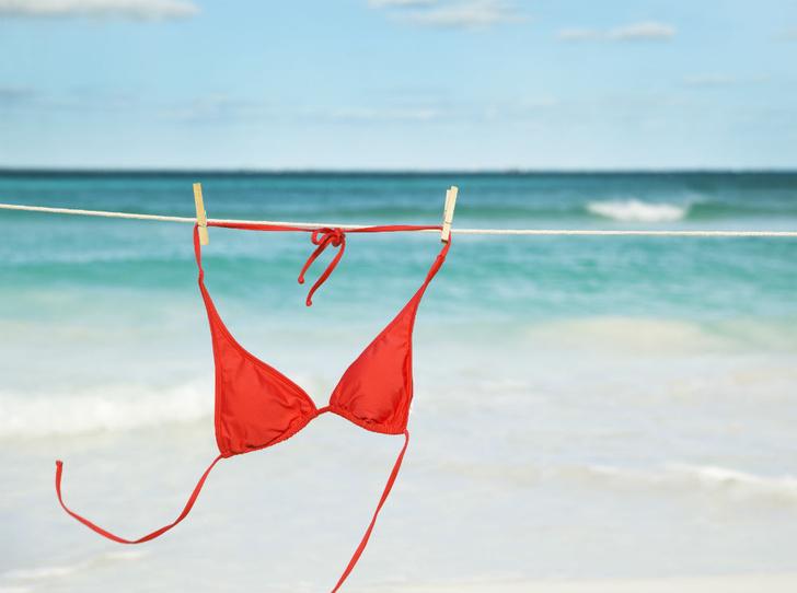 Фото №1 - Безопасность купальника: на пляже и в бассейне