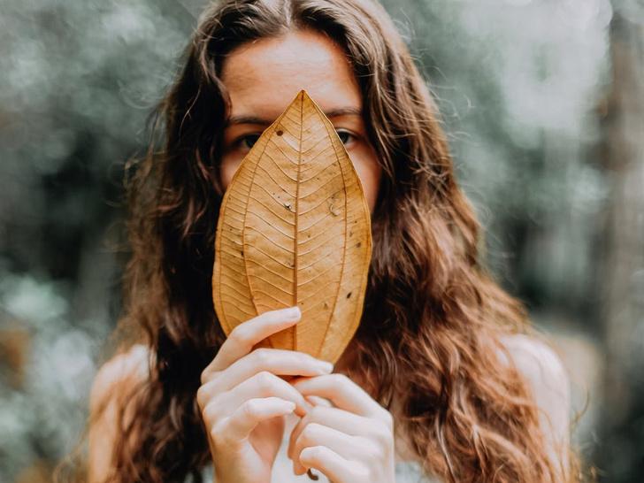 О каких проблемах со здоровьем говорят волосы на лице у женщин