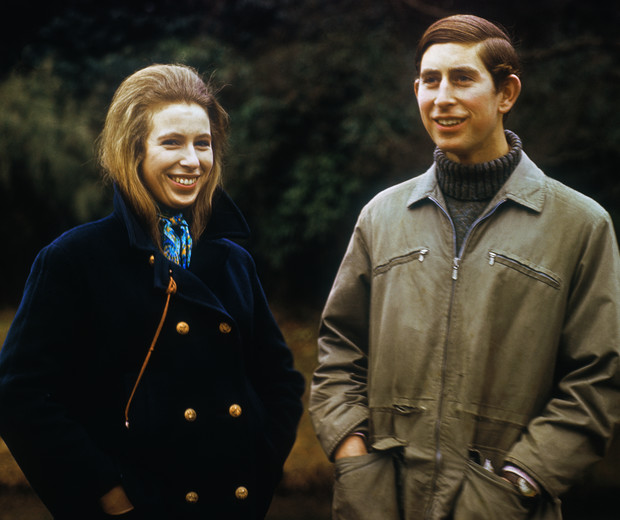 Фото №2 - Помощь брата: как принц Чарльз спас репутацию принцессы Анны от краха