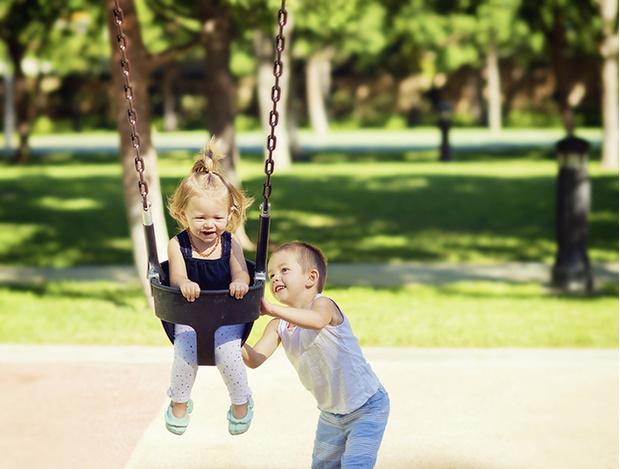 Фото №1 - 6 советов, как воспитать малыша добрым