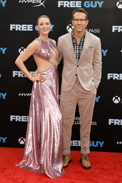 Фото №1 - Летнее платье №1: Блейк Лайвли сенсационно возвращается на красную ковровую дорожку