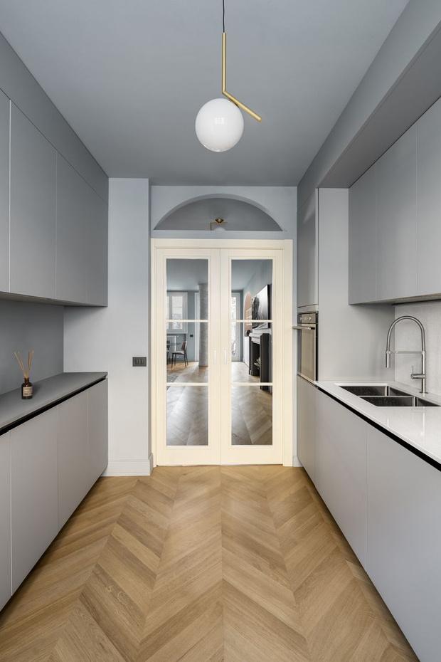 Фото №5 - Маленькая квартира с камином в центре Милана