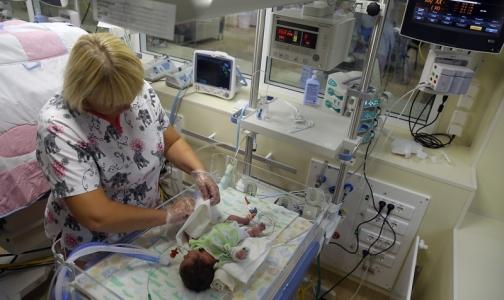 Фото №1 - В Петербурге новорожденных с тяжелыми патологиями будут доставлять в больницу на суперавтомобиле