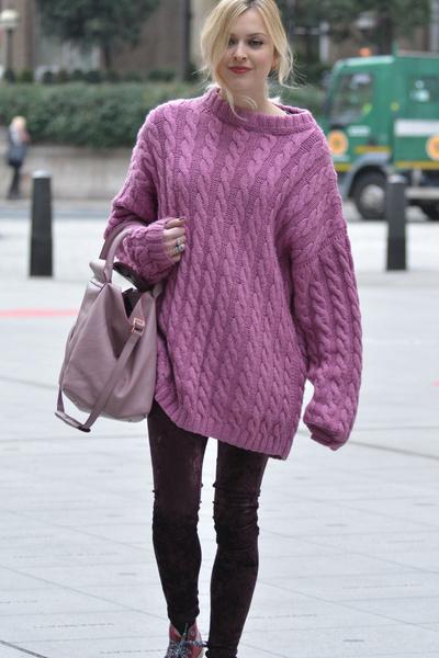 Фото №5 - Звездный тренд: Объемный свитер