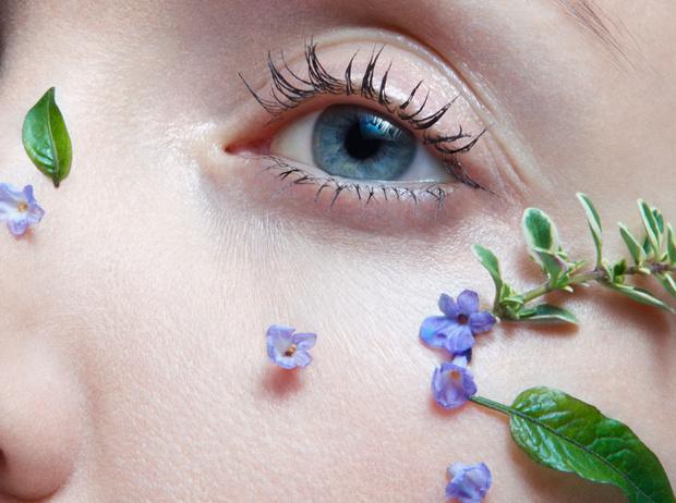 Фото №2 - Советы звезд: 5 способов улучшить состояние кожи