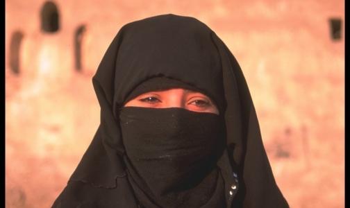 Фото №1 - Генпрокуратура заинтересовалась отказом гинеколога принять мусульманку