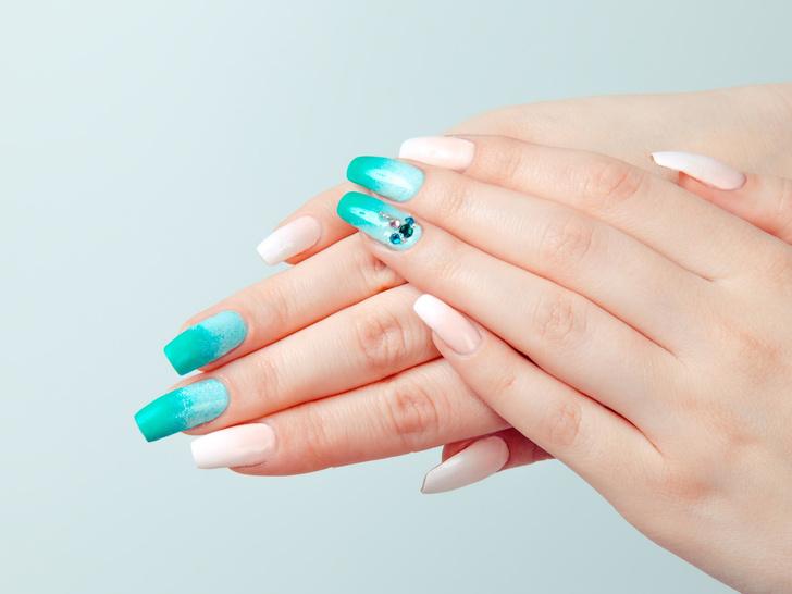 Фото №3 - Маникюр для длинных ногтей: 15 идей на любой случай