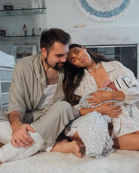 Фото №2 - «Мой самый красивый и глубокий опыт»: Зверева вышла на связь после родов и показала первые снимки с новорожденным