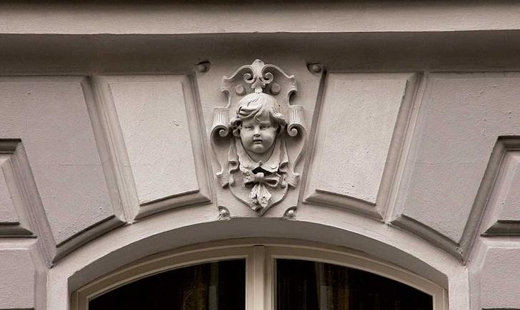 Фото №3 - Лицевая сторона: пражские декоративные рельефы