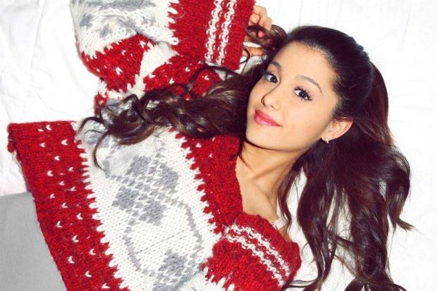 Фото №1 - Утепляемся: Звезды в уютных новогодних свитерах