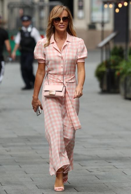 Аманда Холден в Лондоне