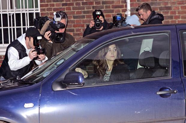 Фото №3 - Тревожная кнопка и горячая линия: как принц Уильям защищал Кейт до свадьбы