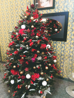 Фото №11 - Елочка, цвети: новый рождественский тренд в декоре
