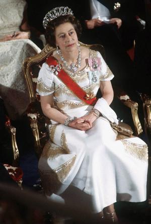 Фото №4 - Сколько всего тиар у Елизаветы и какая из них самая дорогая