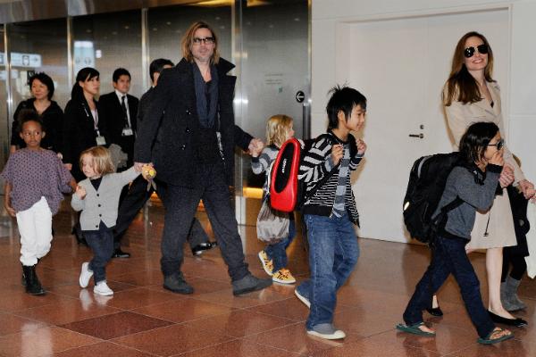 Фото №4 - Брэд Питт и Анджелина Джоли залезли в долги