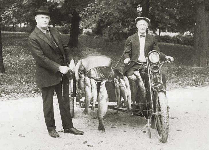 Фото №1 - История одной фотографии: основатели Harley-Davidson, 1922