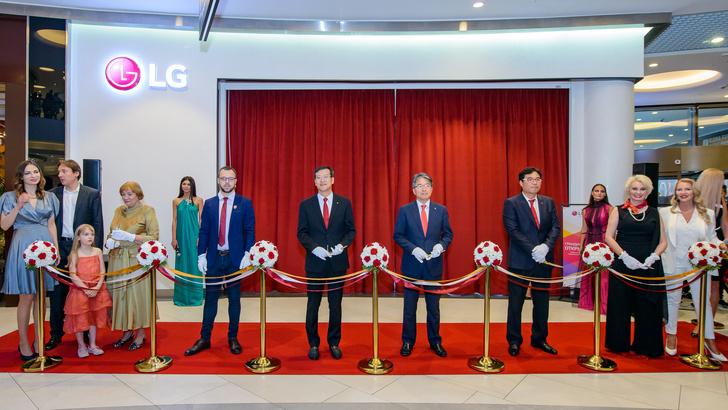 Фото №1 - Первый премиальный магазин LG Electronics: увидеть, попробовать и ощутить инновации