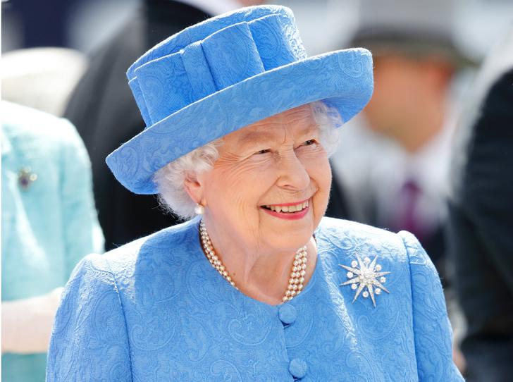 Фото №1 - Подруги Ее Величества: кто знает все тайны Королевы (и даже больше)