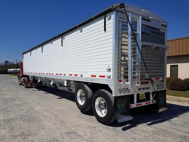 Фото №2 - Зачем грузовики поднимают задние колеса